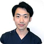 歯科医師:朝田浩之